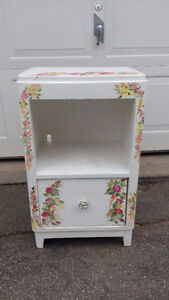 ANTIQUE HAND PAINTED NIGHT STAND
