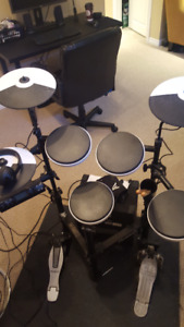 Roland TD4KP Electronic Drums $500