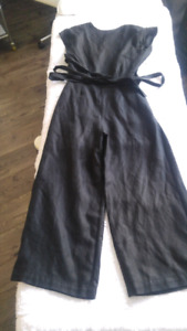 Size 2 Black pant jumper from Aritzia
