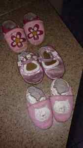 3 pairs of Robeez 6-12 months for $8
