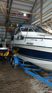 24.5 ft Sunrunner docked at wildwood consevation ready to use.