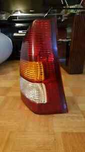 MAZDA  TRIBUTE  DX  OEM  LIGHT RIGHT  TAIL