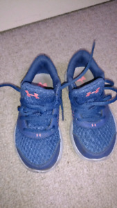 Girls Under Armour runners size 11