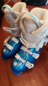 Head Ladies Ski Boots 24.5 w Atomic Poles 48""