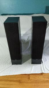 Paradigm Monitor 9 v2 Floor Speakers (Pair)