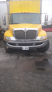24 ft box truck with working tailgate