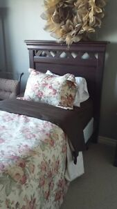 TWIN HEARBOARD NIGHT STAND AND MATRESS SET