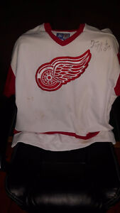 RED WINGS COLLECTION London Ontario image 4