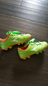 Girls Outdoor Soccer Shoes