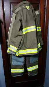 Firefighting bunker gear new