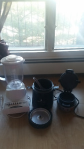 SELLING, An assortment of small kitchen appliances
