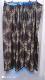 Pair of curtains (+1 single curtain)