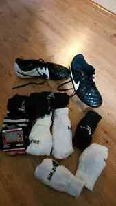 Nike Cleats soccer shoes - youth- size 3 Kingston Kingston Area image 1