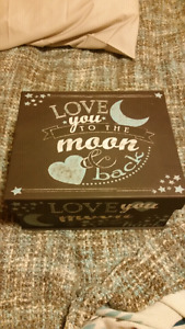 Love you to the moon and back keepsake holder