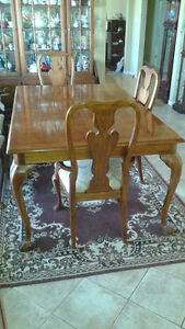 Thomasville Dining Table & Six Chairs