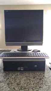 HP Compaq, Monitor, wireless mouse and keyboard