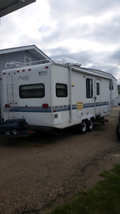 5th wheel camper Prowler .SOLD