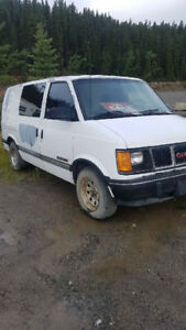 93 GMC SAFARI converted to camper van