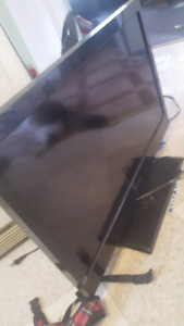 FLAT SCREEN Emerson tv for sale