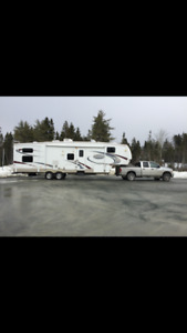 2009 MONTANA MOUNTAINEER 2 BATH/ HUGE BUNK ROOM