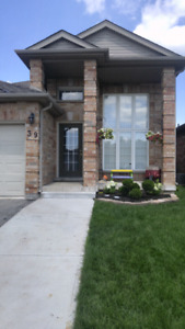 Raised Ranch for sale in Strathroy listed on MLS..ca