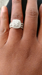 Custom-made engagement ring with jacket