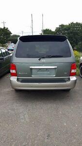 2004 Kia Sedona LE Minivan, Van