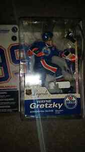 Wayne Gretzky legend series factory sealed!! Only 15$...........