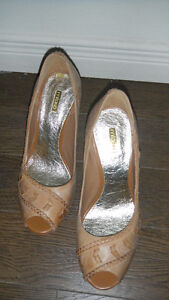 New pair of pure leather shoes London Ontario image 2