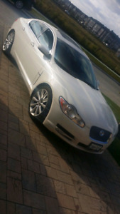 ***2010 Jaguar XF Rare white exterior with tan interior***