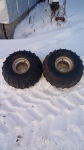 Pneus 4 snow avec Rim 8 pouces