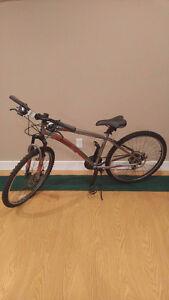 [BRAND NEW] Reebok RUSH Speed / Mountain Bike