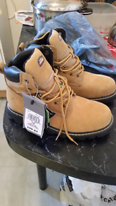 Steel Toe Boots Size 10       Safety Boots