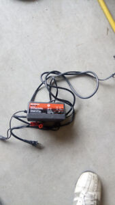 12 Volt Automatic Battery Charger