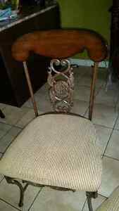 Antique set of 4 chairs London Ontario image 1