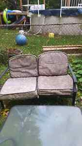 Outdoor table and chairs London Ontario image 4