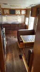 27' StarCraft Travel Trailer/Toy Hauler London Ontario image 5