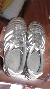 Souliers soccer taille 3 1/2