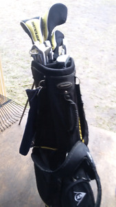 Dunlop Golf Clubs and Bag with stand