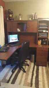 Desk - like new!