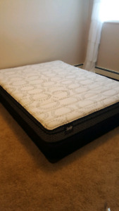 Sealy queen mattress and boxspring