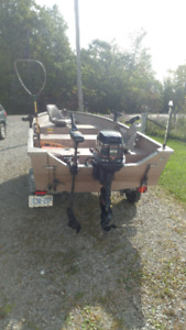 Aluminum fishing boat deep V evenrude