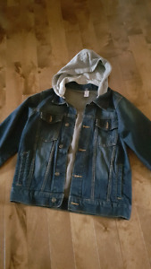 Boys jean jacket size med