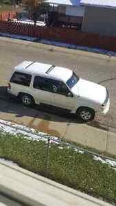 1999 Ford Explorer SUV, Crossover
