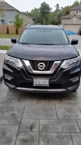 2017 Nissan Rogue Fully Loaded with Panoramic Roof and More