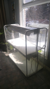 Hydroponic plant stand