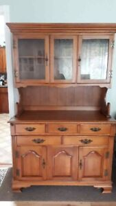 Beautiful China cabinet excellent condition  225. obo
