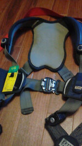 For sale Both Fall Arrest Harness& Lanyard St. John's Newfoundland image 3