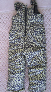 Girl's ( new without tag ) snow pants size 3T