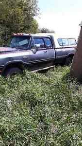 1992 Dodge Power Ram 2500 ext cab Pickup Truck